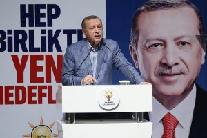 أردوغان يشدد على ضرورة إجراء تغييرات في قيادات حزب العدالة والتنمية الحاكم