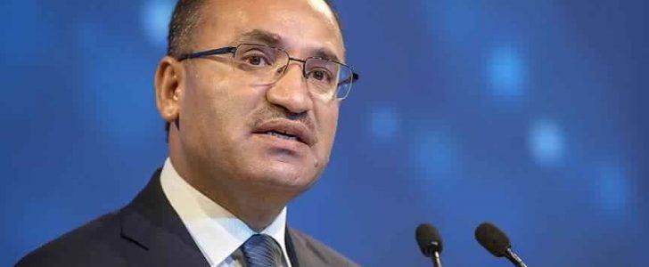 نائب رئيس الحكومة التركية يعرب عن تطلعه لرد يتجاوز الإدانة خلال مؤتمر القمة الإسلامية